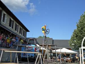"""Show VTT Trial avec """"Acro Bike"""""""
